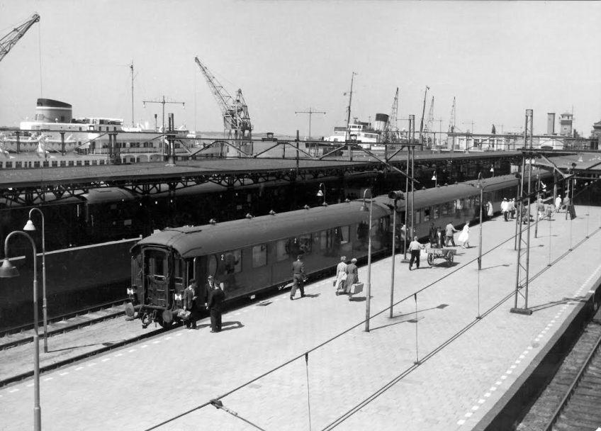 Station Hoek van Holland Haven, ca. 1959 (NS/Het Utrechts Archief)