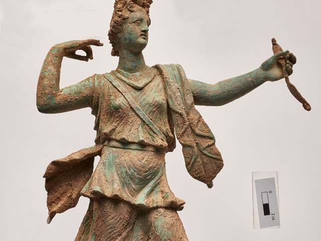 Beeld van Artemis (yppo.gr)