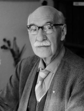 Oud-directeur van Artis dr. Sunier op 75 jarige leeftijd (Anefo - NA - Wim van Rossem)