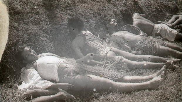 Geëxecuteerde Indonesiërs. Deze en 178 andere foto's werden eind 2015 gevonden in een kluis van het Verzetsmuseum Zuid-Holland.