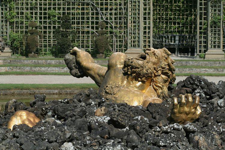 Stervende Gigant - Beeld van Gaspar Mercy in de tuin van Versailles - cc