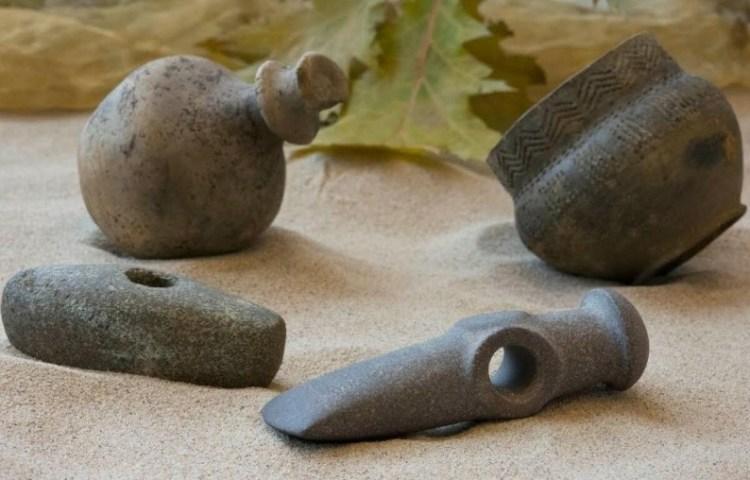 Gebruiksvoorwerpen uit de Trechterbekercultuur. (Foto Luco Nijkamp)