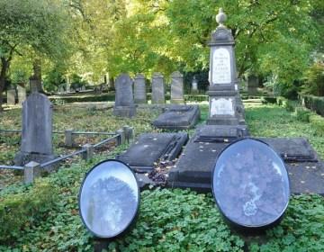 Graftrommels op de Oude Algemene Begraafplaats Hengelo - cc