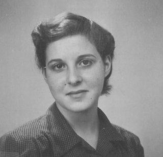 Pasfoto Gerda, begin 1946 (Riksarkivet)
