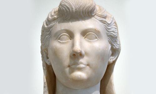 Buste van Livia, de vrouw van Keizer Augustus, het toonbeeld van de machtige zelfbewuste vrouw uit de Romeinse tijd.