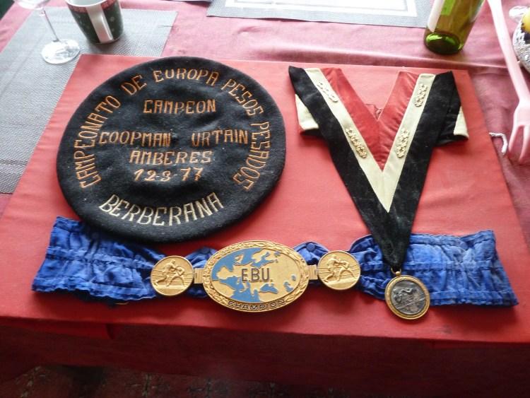 Medailles in de woning van Jean-Pierre Coopman (Paul Prillevitz)