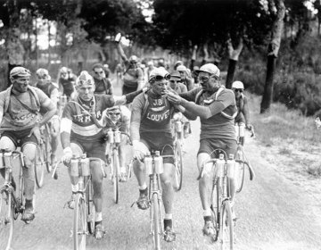 Sigaretjes roken in de Tour de France (1927)
