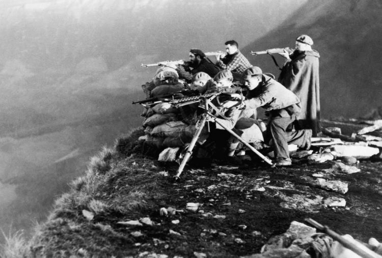 Fascistische vechters in Noord-Spanje, Huesca-front, 30 december 1936. Bron: espivblogs.net