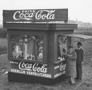 Frisdrankkraam tijdens de Spelen van 1928