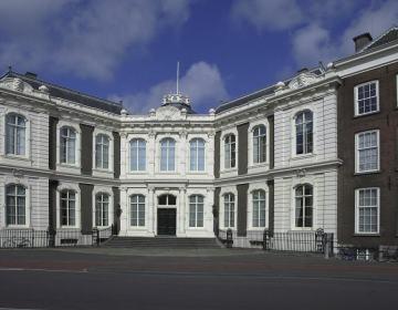 Paleis Kneuterdijk. Foto Raad van State