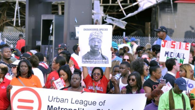 Protest op 15 augustus 2014 tegen het neerschieten van Michael Brown - cc