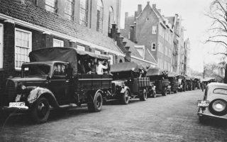 Razzia in Amsterdam (cc - Nationaal Archief)
