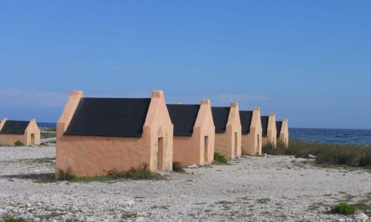 Slavernhuisjes op Bonaire (cc - David Burley)