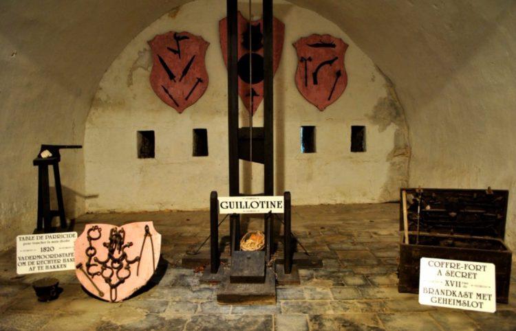 Guillotine uit de zeventiende eeuw - cc