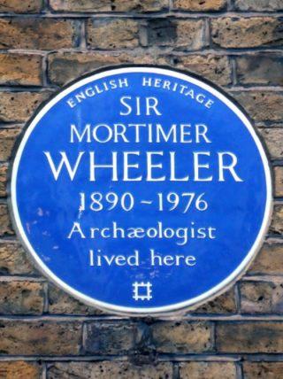 Plaquette in Londen bij het voormalige woonhuis van de archeoloog - cc