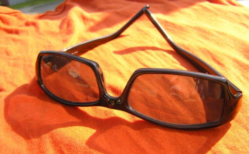 In 2009 ontstond politieke consternatie over een declaratie van PvdA-leider Wouter Bos voor een verloren zonnebril. - cc