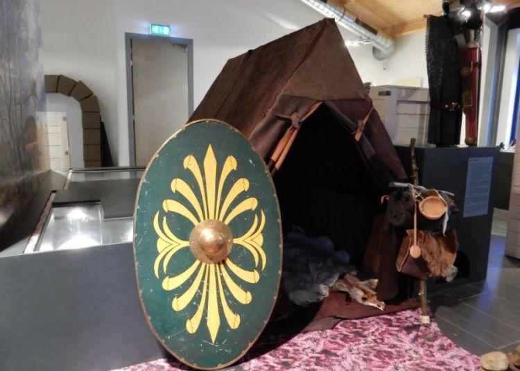 Romeinse legertent in museum Het Pakhuis in Ermelo