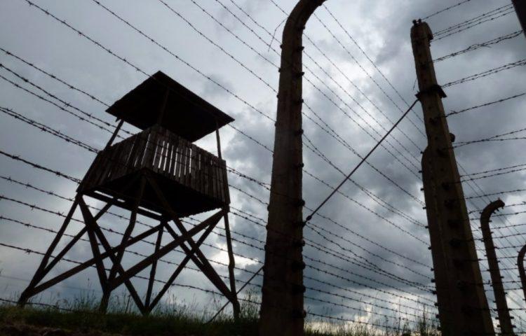Wachttoren in Auschwitz - cc