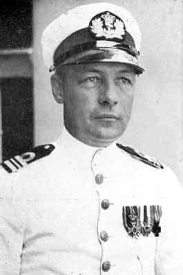 Karel Doorman als luitenant-ter-zee der eerste klasse in 1932