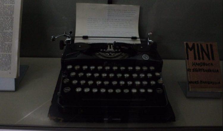Andres Baader's schrijfmachine in het Haus der Geschichte in Bonn - cc
