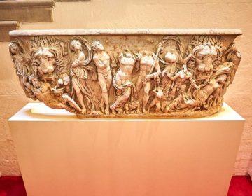 Bloembak Blenheim Palace blijkt Romeinse sarcofaag (blenheimpalace.com)