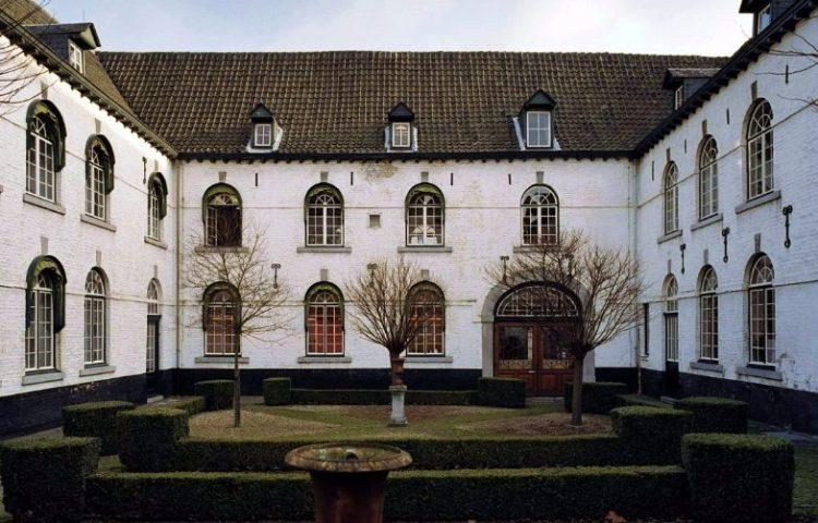 Nieuwenhof, University College Maastricht - cc