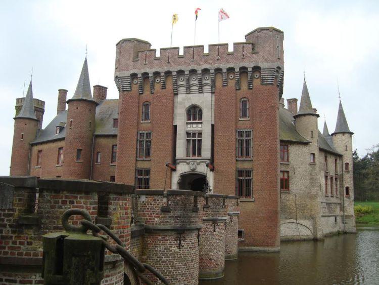 Kasteel van Wijnendale bij Torhout (Foto Edwin Ruis)
