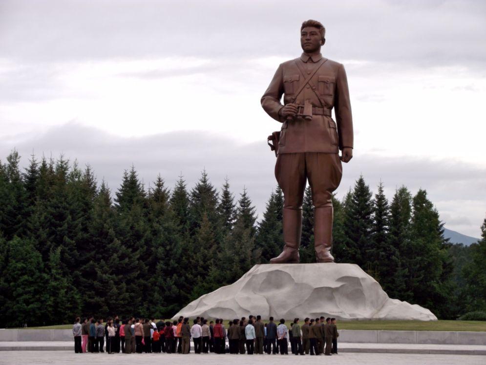 Monument Kim Il-sung - cc