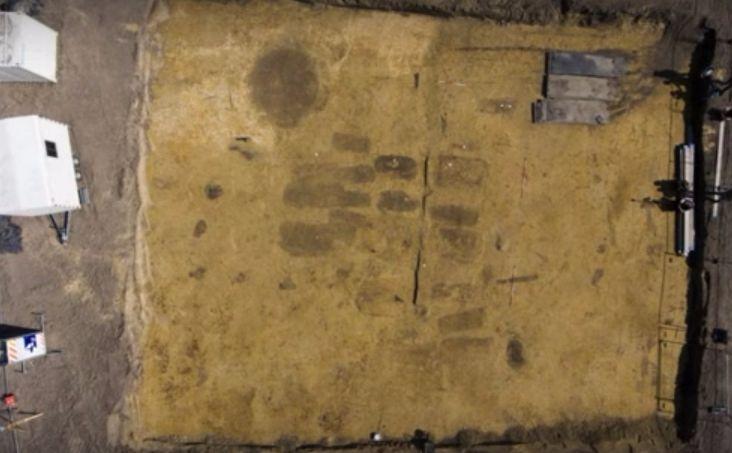 Het grafveld in Veldhoven (Still YouTube - Archol)