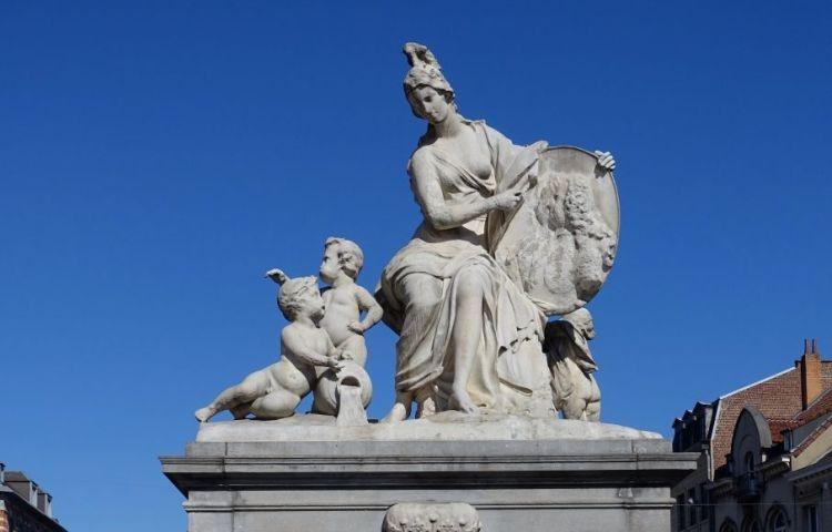 Minerva Fontein – Brussel, Belgium (cc – Daderot)