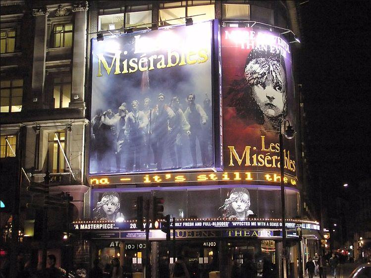 Promotie voor de musical 'Les Misérables' (wiki - Adrian Pingstone)