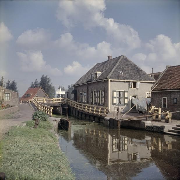 De Goejanverwellesluis anno 1958 (foto RCE)