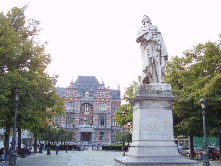 Het Anneessensplein, de vroegere Oude Markt. (cc)