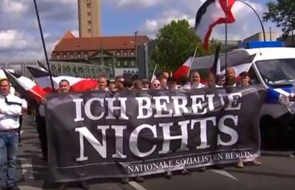 Duitse neo-nazi's staan stil bij dood Rudolf Hess