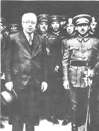 Manuel Azaña (l) en Francisco Franco in 1932