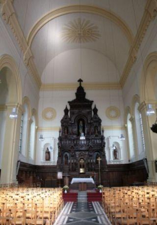 Interieur van de kerk aan het Vossenplein (cc - Michel wal)