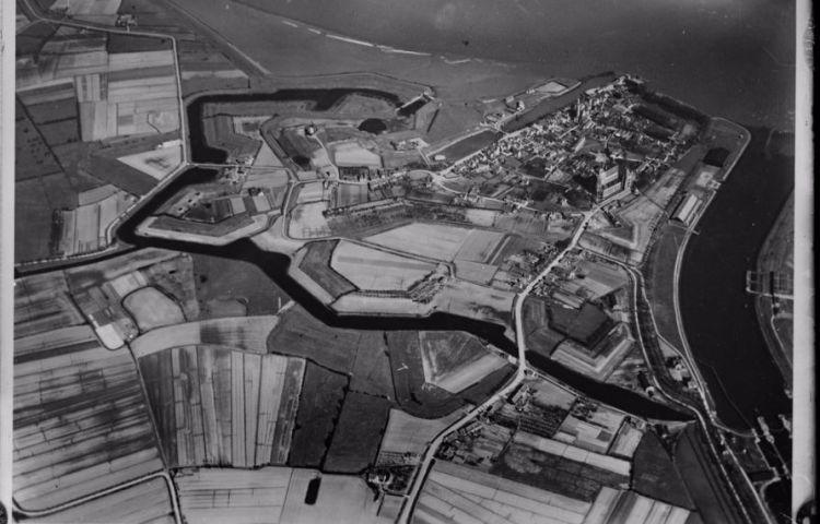 Luchtfoto van Veere (NIHM)