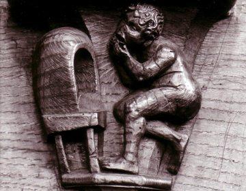 Houtsnijwerk op het koorgestoelte (1515) in de Onze-Lieve-Vrouwekerk te Aarschot. Het verbeeldt het spreekwoord 'Hi moet langhe gapen die den oven overgapen sal'. Oftewel: iets onmogelijk proberen te doen. Dit spreekwoord komt al voor in de vroegst overgeleverde spreekwoordencollecties. (RU)