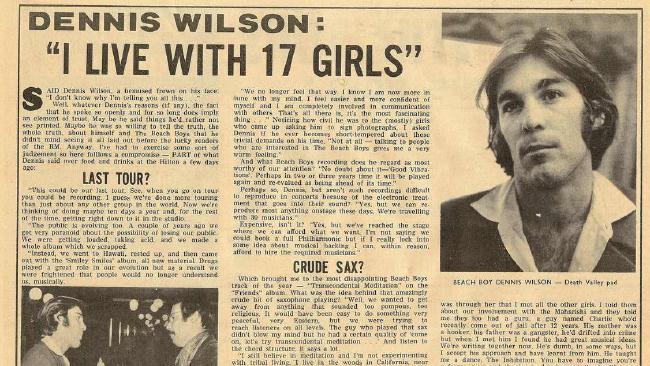 Krantenartikel over Wilson en zijn tijd met Charles Manson