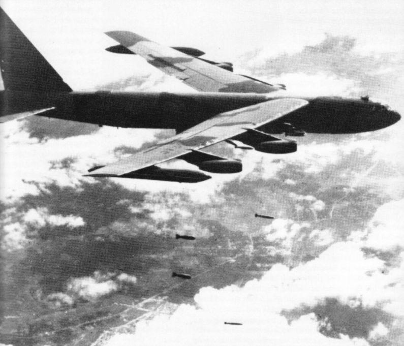 Bombardementen boven Vietnam (US Air Force)