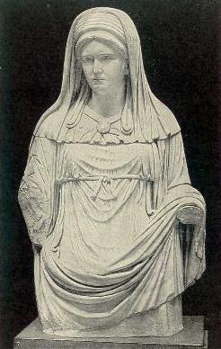 Romeins beeld van een Vestaalse maagd