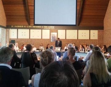 Vergadering van de gemeenteraad in Ermelo (Foto Y. Visser / Historiek)