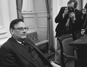 Minister Gijs van Aardenne (VVD) in de Tweede Kamer, december 1984. Foto: cc - Nationaal Archief.