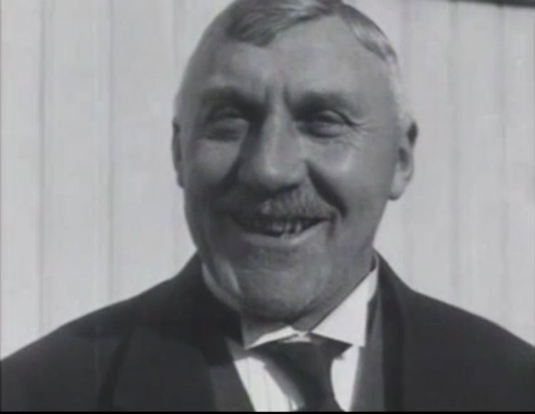 Boer Braat in het Polygoon-journaal van 16 maart 1924 (Still)