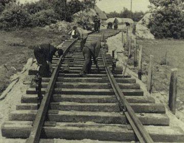 Aanleg van de spoorwegaansluiting bij Kamp Westerbork (Publiek Domein - Rudolf Breslauer - wiki)