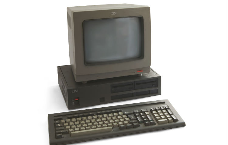 Control-Alt-Delete - IBM-pc (CC BY 3.0 - Bilby - wiki)