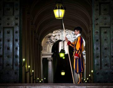 Bewaker in Vaticaanstad (CC0 - Pixabay - lorenzogallo)