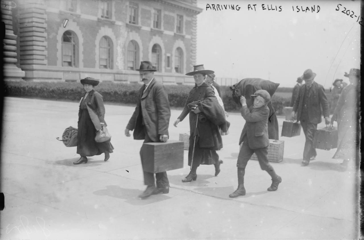 """Ellis Island – """"Island of Hope and Tears"""""""