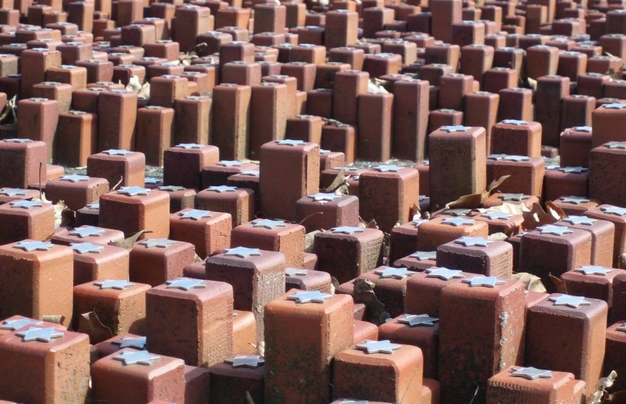 Gesproken monument: De 102.000 Namen Lezen