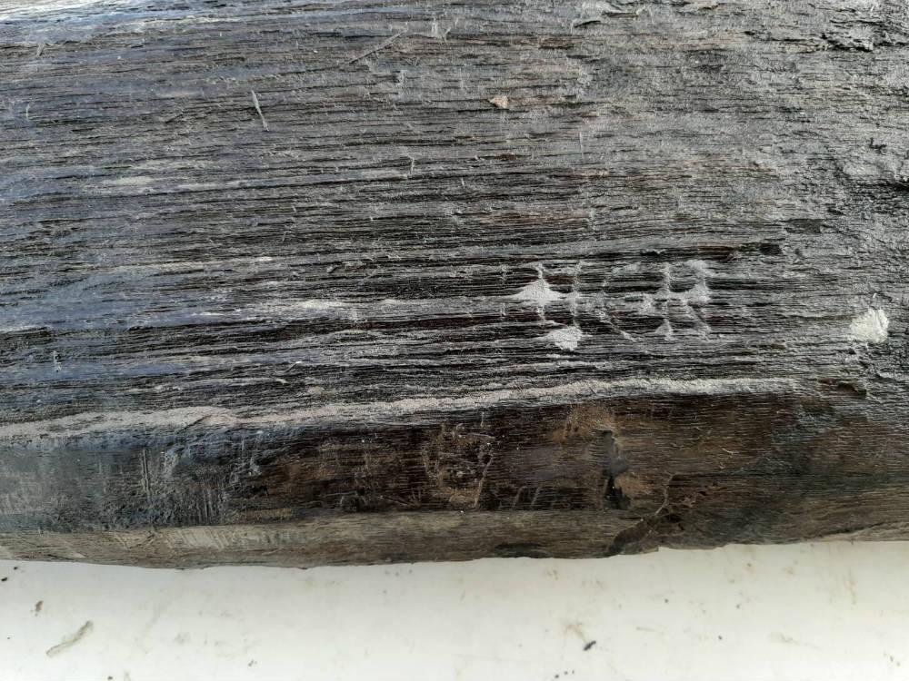 Opnieuw inscriptie gevonden op paal Romeinse weg